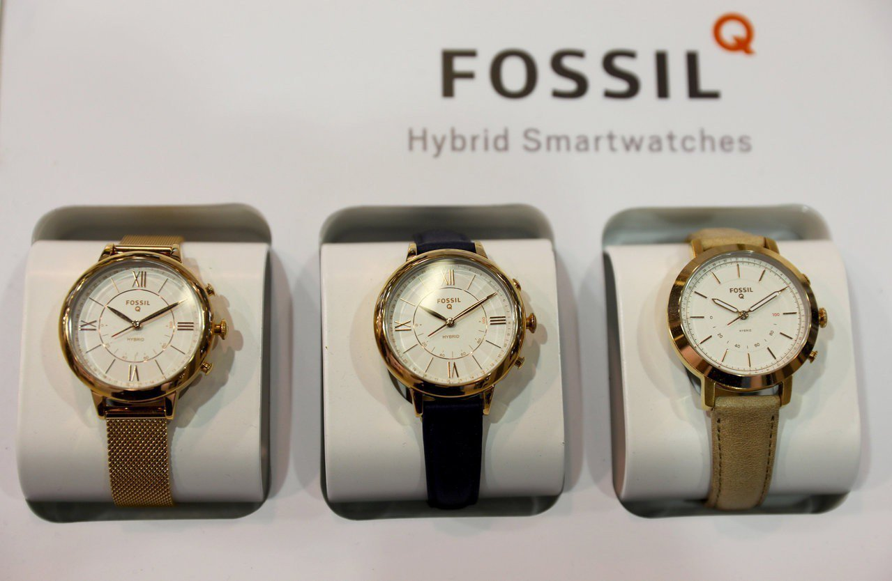 Google買下Fossil的智慧手表部門,整合軟硬體。 路透