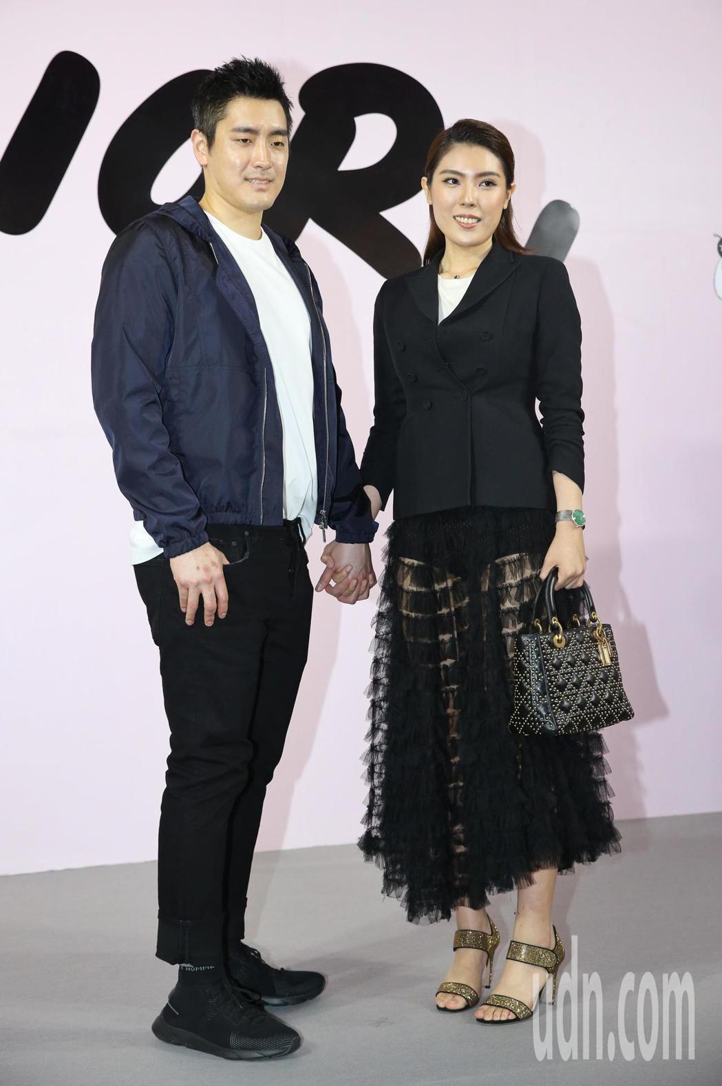 理科先生(左)、理科太太(右)出席品牌開幕派對。記者鄭清元/攝影