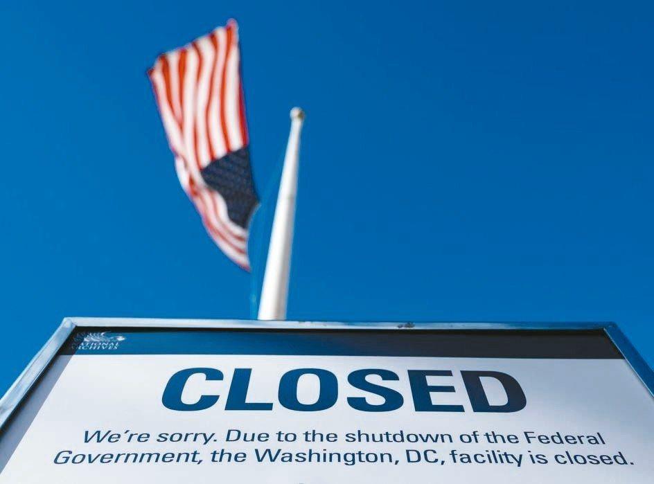 美政府關門效應,將推升三重威脅。 (法新社)