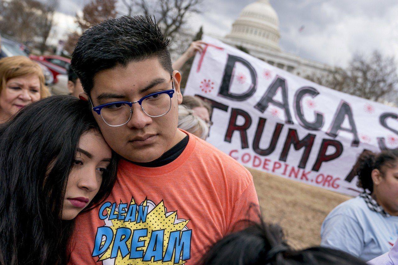 川普總統多次宣稱要廢除歐巴馬政府時期開始實施的「童年抵美暫緩遣返」(DACA)計...
