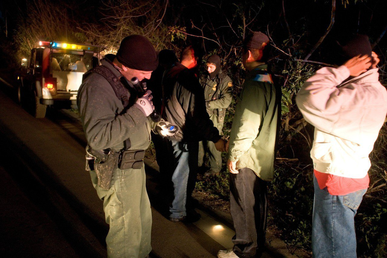 「紐約郵報」18日報導,有史以來越境尋求庇護的最大單一群體,本周稍早時在亞利桑納...
