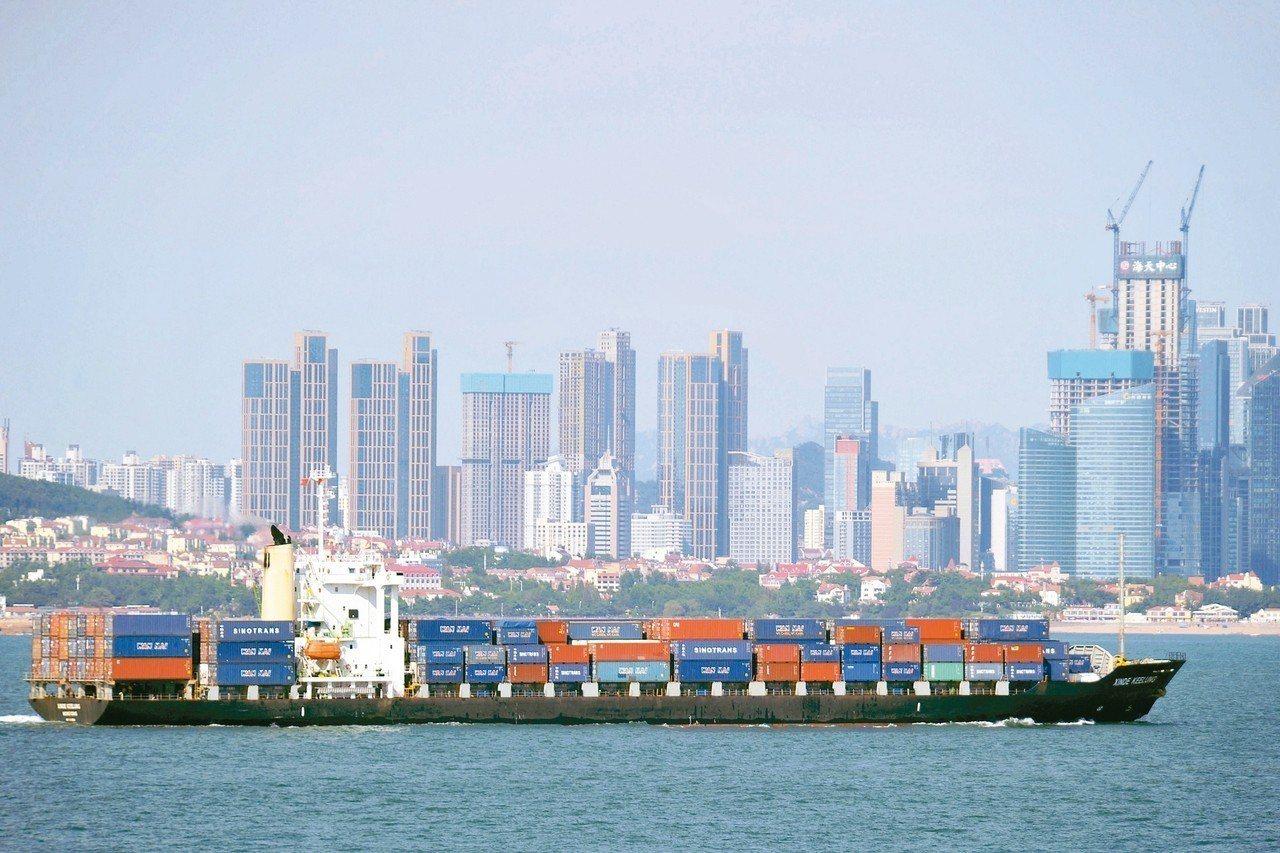 美中月底將展開新一輪貿易談判,美方官員要求陸方在兩年內就實現貿易零差距。 美聯社