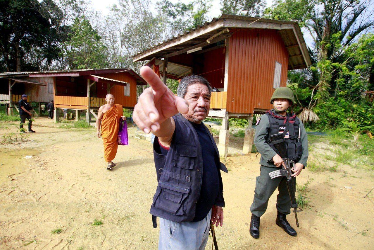 泰國今發生槍手闖入寺廟擊斃2名佛教僧侶,另造成寺內2人受傷。 路透社
