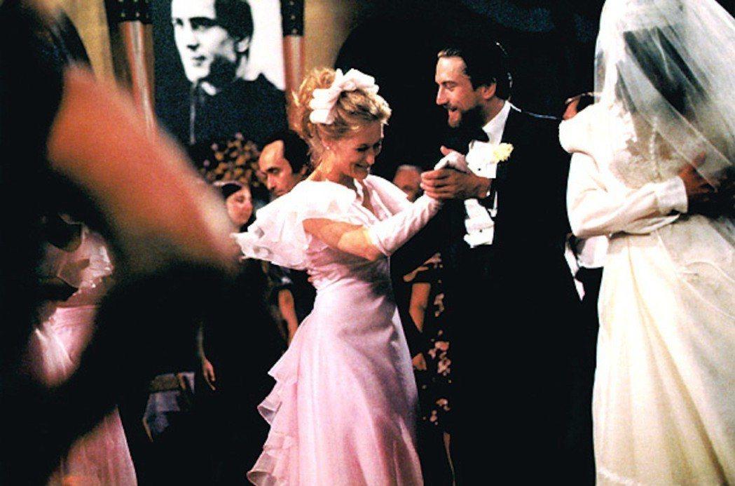 勞勃狄尼洛與梅莉史翠普在「越戰獵鹿人」已有感情對手戲。圖/摘自imdb