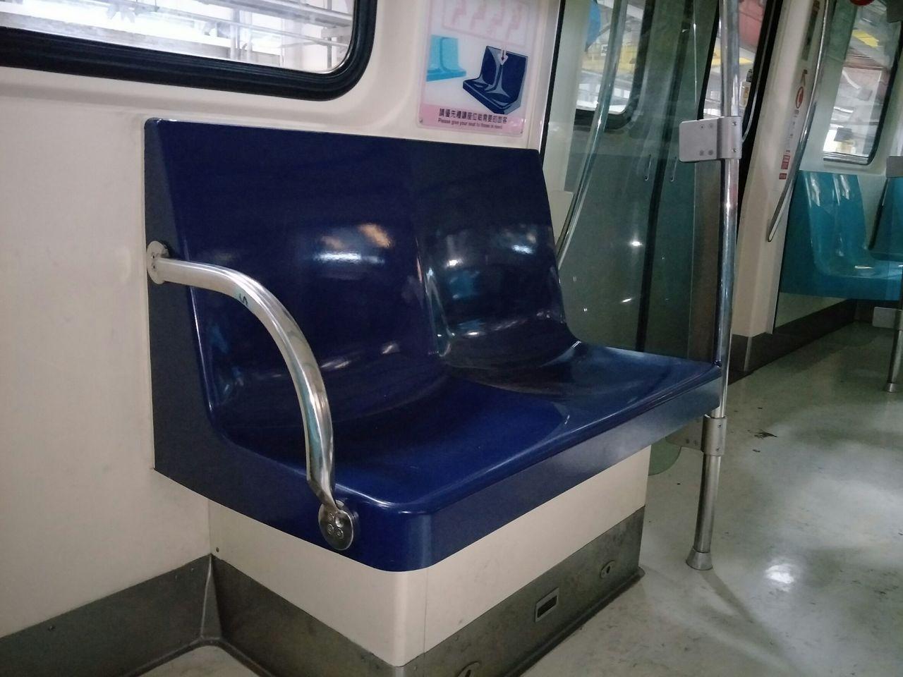 台北捷運昨天起在高運量的淡水信義線、板南線、中和新蘆線及松山新店線等4條路線,各...