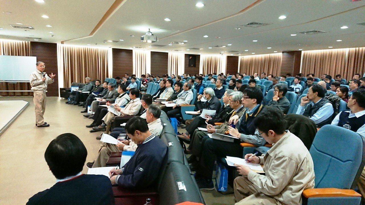 中龍董事長王錫欽表示,台灣離岸風電產業發展具有天時、地利以及製造能力傑出的優勢。...