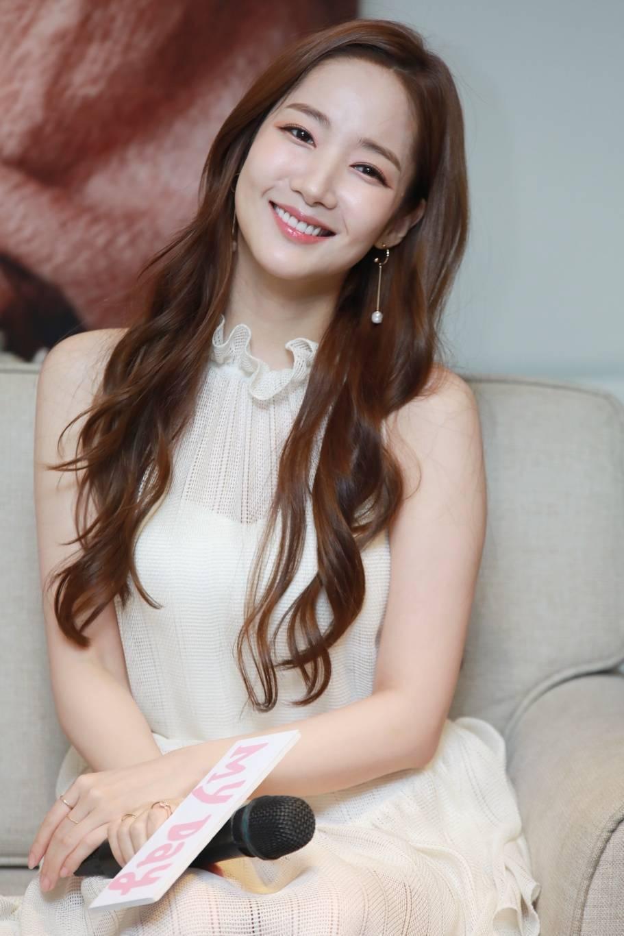 朴敏英燦爛甜笑。記者李姿瑩/攝影