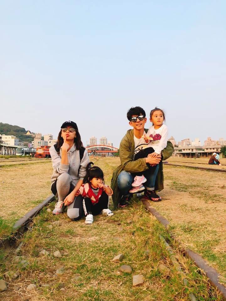 賈靜雯、修杰楷一家人到高雄玩。圖/摘自臉書