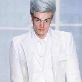 巴黎男裝周/泡泡紙西裝超紓壓 再跨性別界線 Thom Browne讓男人穿高跟鞋