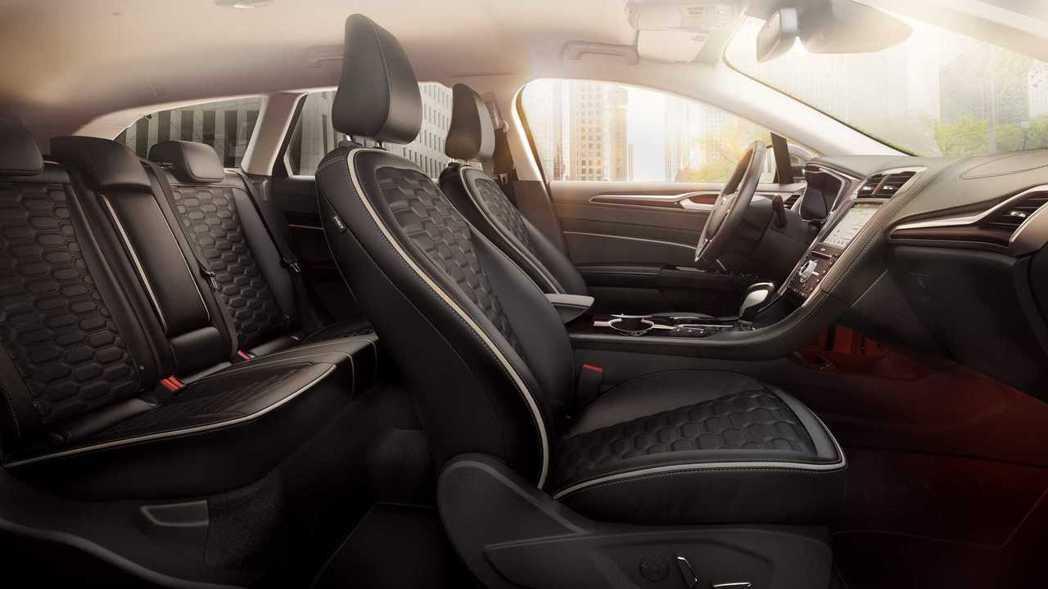 內裝部份則依車型差異,有著不同的妝點。 摘自Ford