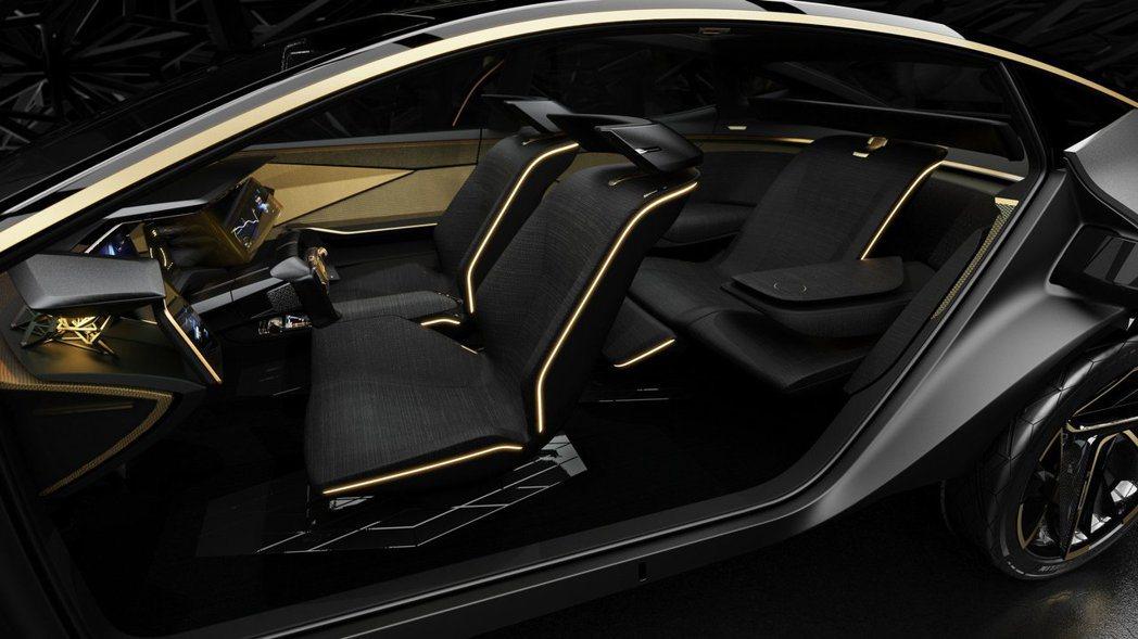 車室採用日本的居家風格,讓自駕的旅程能更舒適。 摘自Nissan