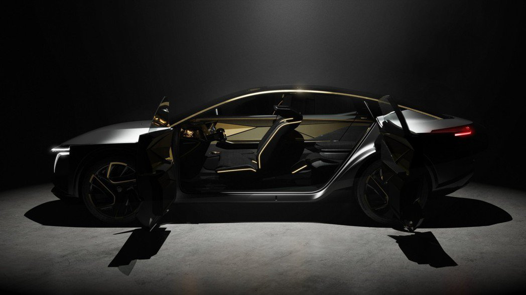 概念車時常出現的無B柱、雙門對開設計。 摘自Nissan