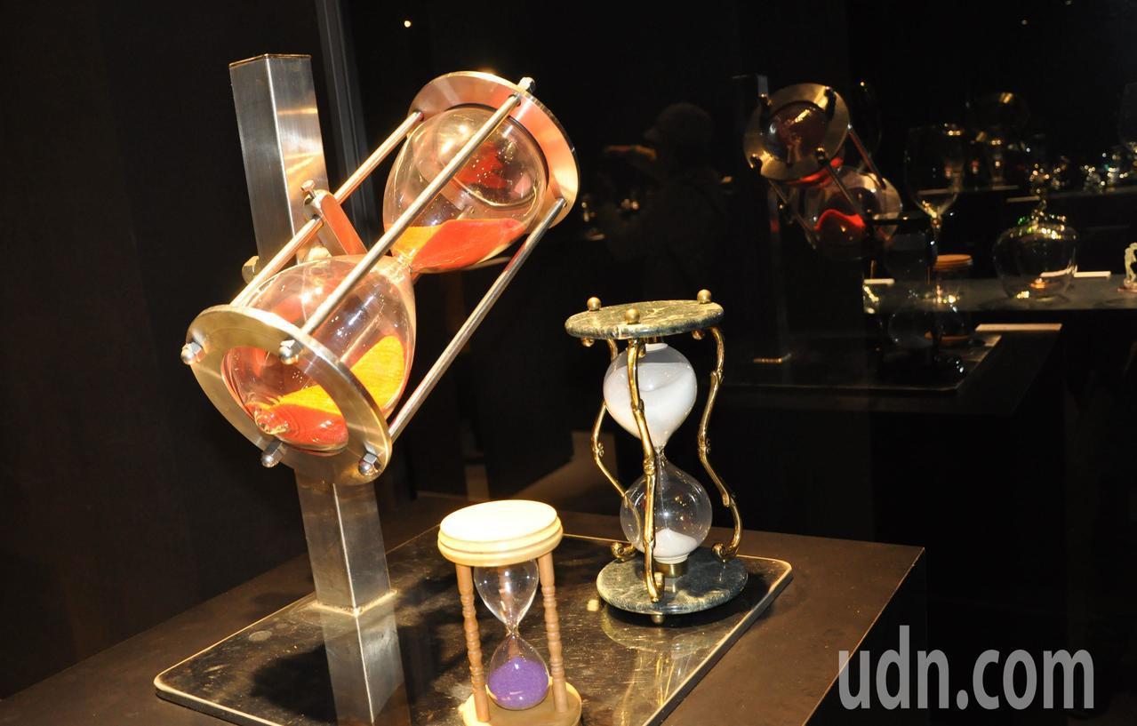工藝家將玻璃藝術融入生活空間中,美觀又實用。記者郭宣彣/攝影