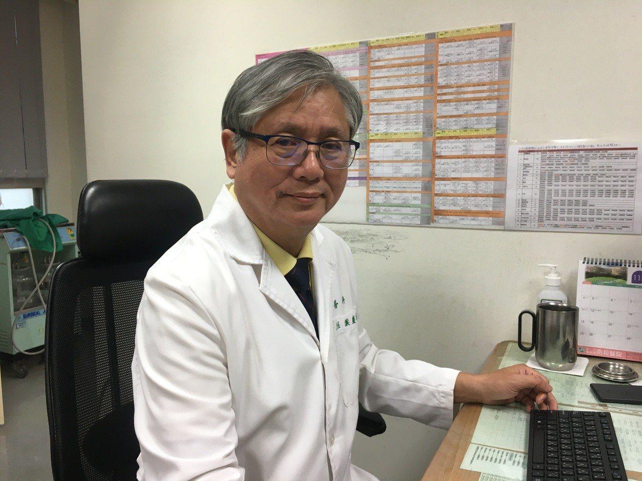 南投醫院家醫科醫師葉慶年說,電子煙仍會造成肺癌、中風及心臟病的風險,想避免家人吸...