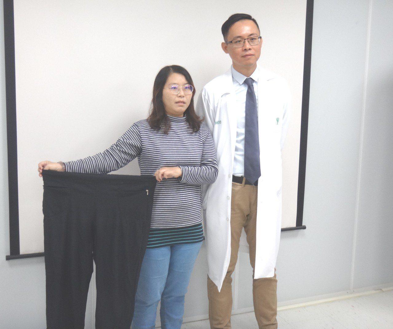 陳小姐(左一)經佳里奇美曾健仁(右)以袖狀胃切除手術,半年成功減重40公斤。圖/...