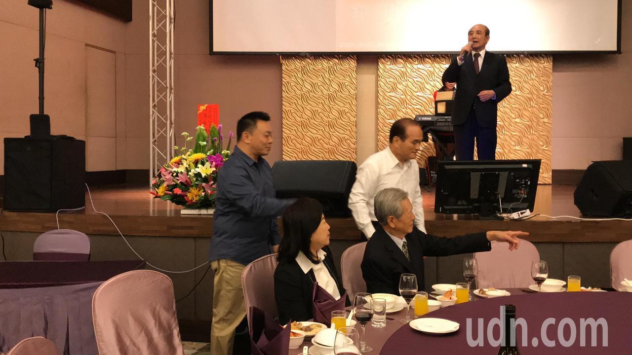 高思博(左)出席王金平在台南午宴。記者綦守鈺/攝影
