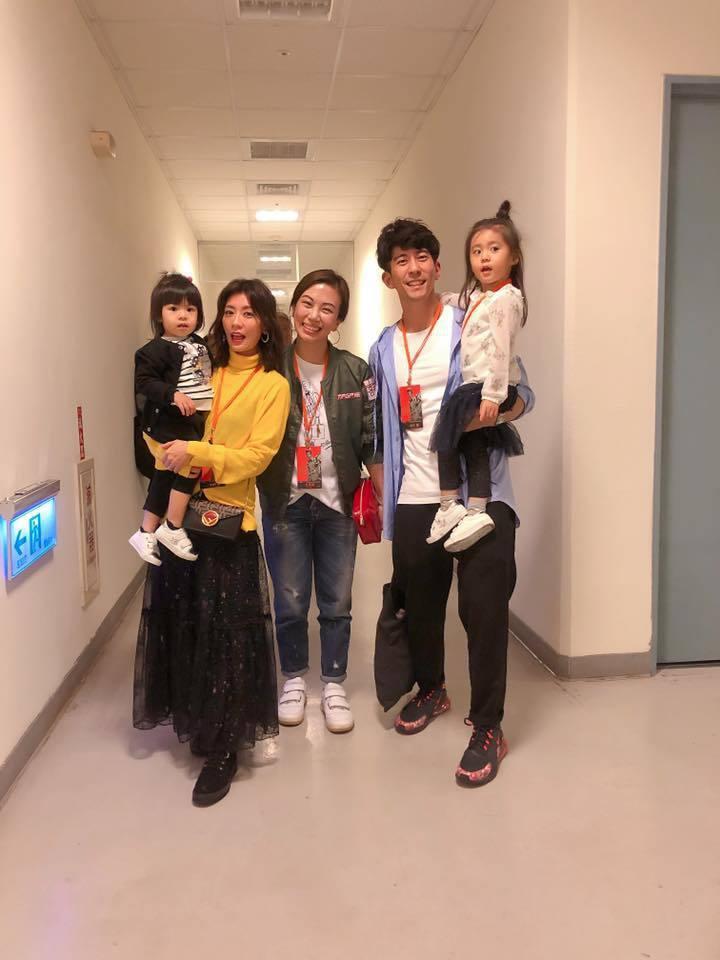 賈靜雯、修杰楷一家受邀出席蕭敬騰演唱會。圖/摘自臉書