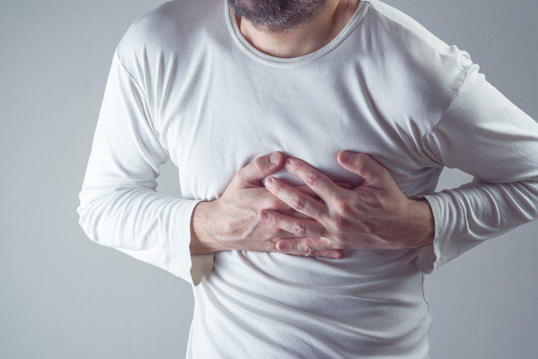胸腔肋骨斷或裂,輕重緩急大不同。 圖╱123RF