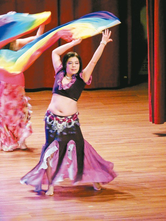 圖/陳曉鷗提供 作者想透過舞蹈,讓體態更健康。