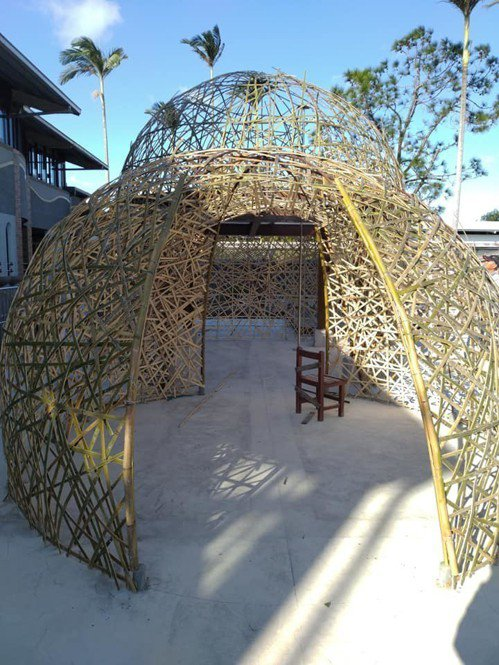 南隘國小處處都是竹與稻編織的藝術,令人驚豔。圖/教育處提供