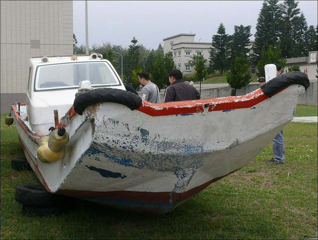 澎湖地檢署21日表示,預計在農曆春節過後,將公開拍賣一艘總噸數約2.4噸的無照船...