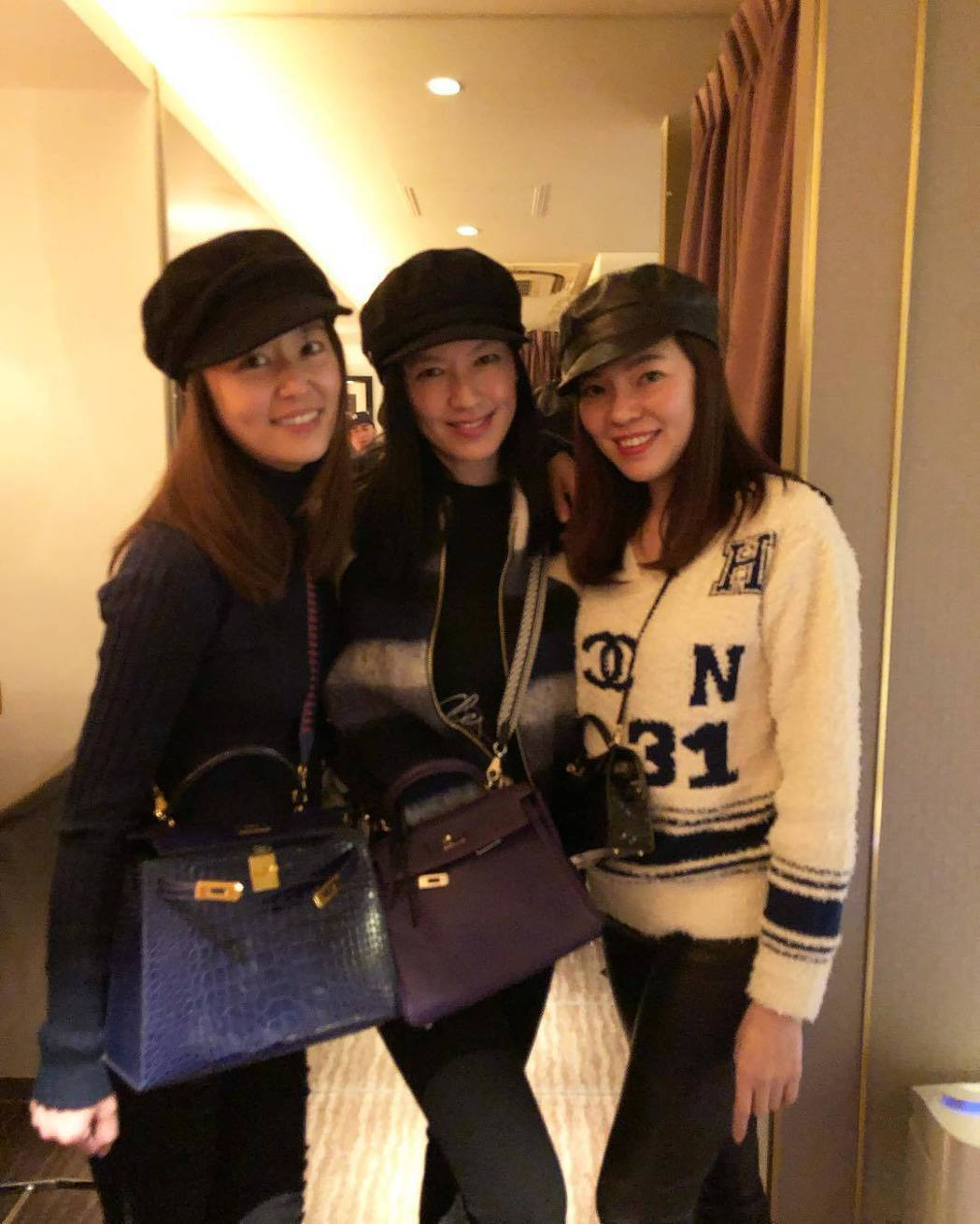 林心如(左)、林熙蕾(中)與曾馨瑩(右)難得聚會。 圖/擷自林熙蕾IG