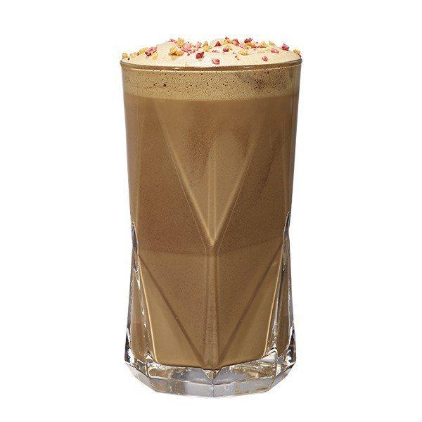 栗子紅茶那堤吃得到栗子顆粒的栗子糖醬,與超微細紅茶研磨粉和蒸奶。圖/星巴克提供