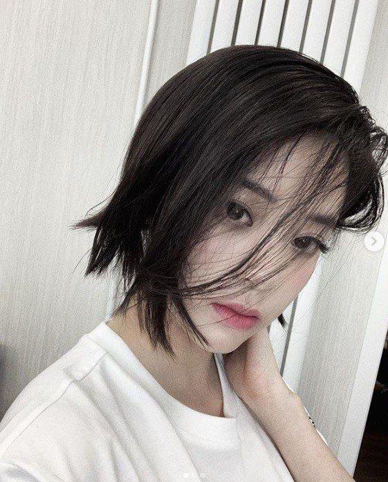 歐陽娜娜最近才因為最新的短髮造型備受粉絲讚賞又帥又美,近日又因為一個前陣子錄製的...