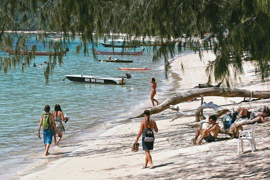 泰國有20多處觀光海灘實施禁菸,違者恐挨罰。 圖/泰國觀光局提供