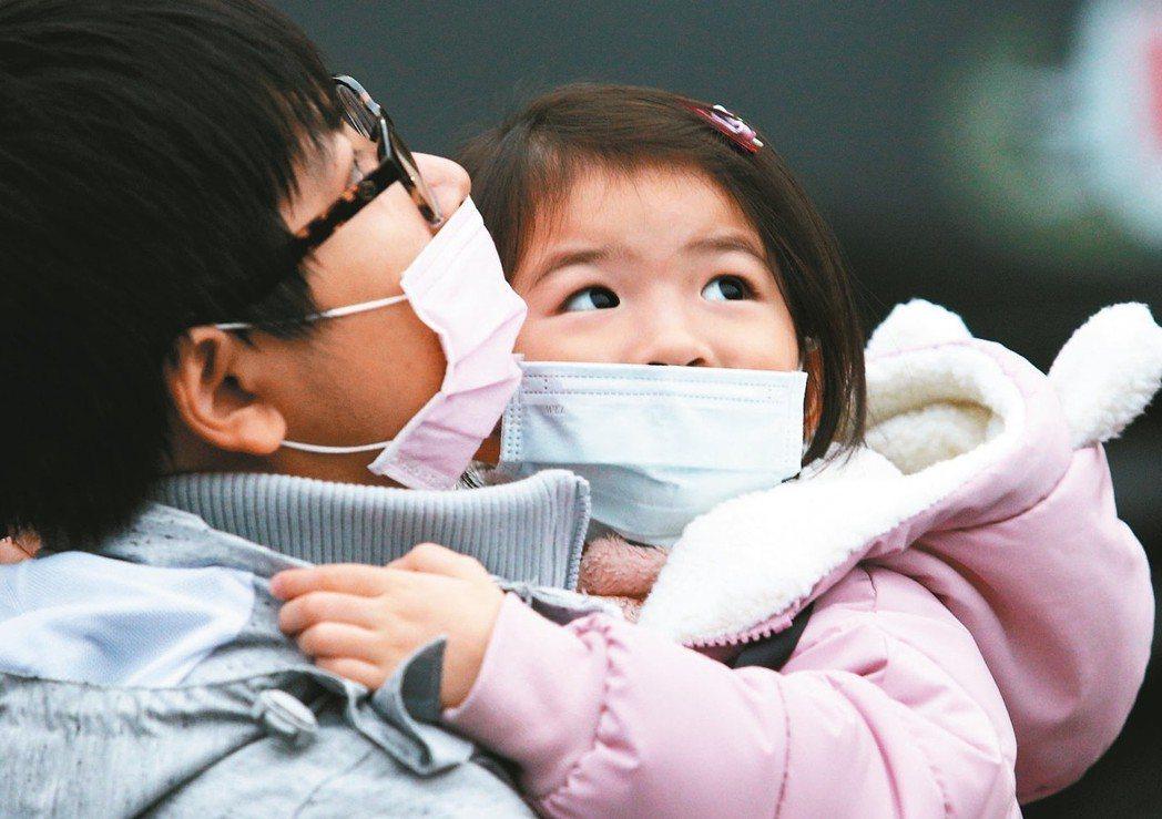 疾管署表示,H1N1並不專侵犯老人或幼兒,青壯年與中壯年族群也很危險。 圖/聯合...