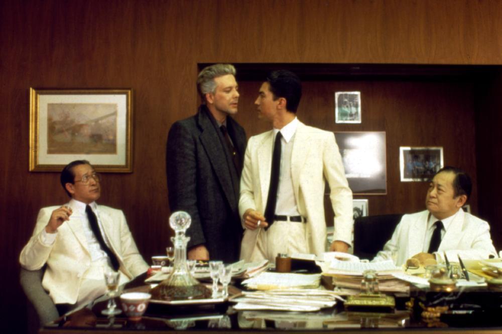 米基洛克與尊龍在「龍年」中關係緊張。圖/摘自IMDB