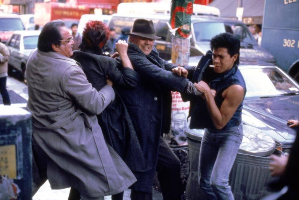「龍年」對華人混混的描寫讓美國華裔與亞裔的觀眾非常不舒服。圖/摘自IMDB