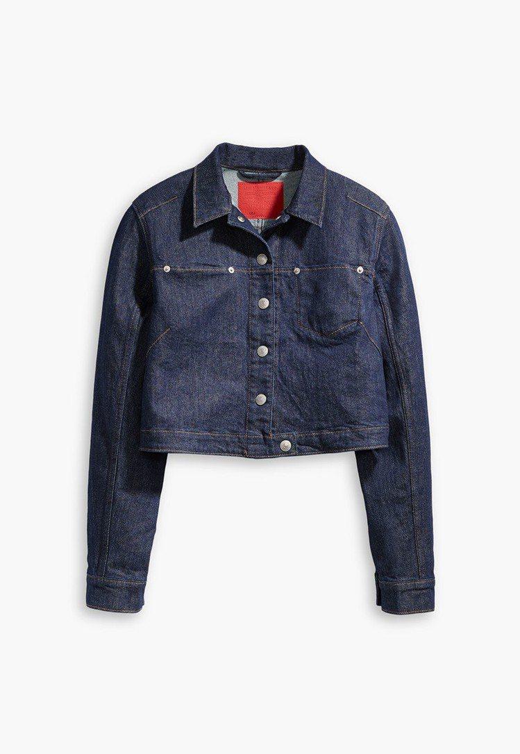 竇靖童廣告中穿著的LEJ女款牛仔外套,3990元。圖/LEVIS提供