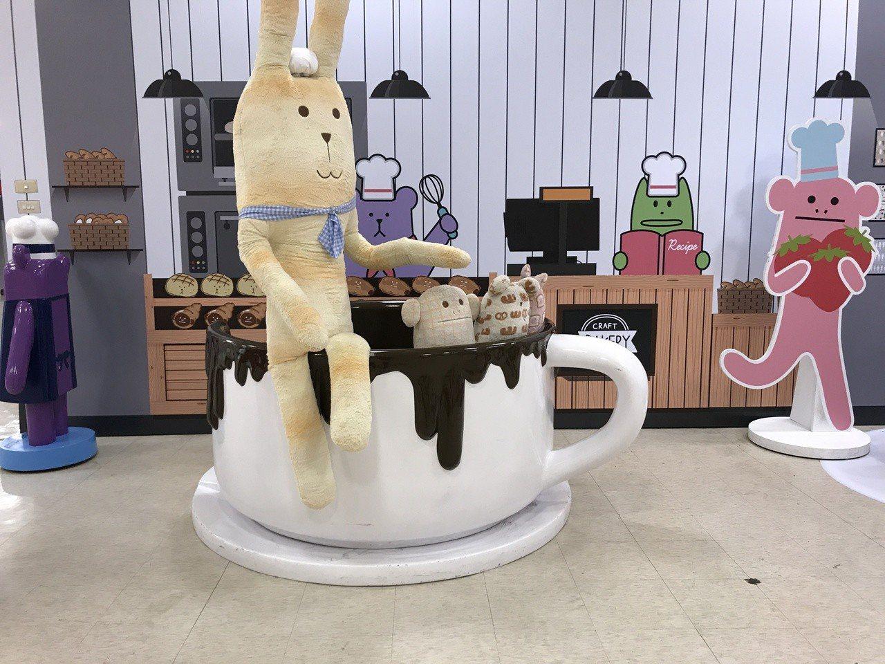 《宇宙人ㄕㄓㄋ特展》甜蜜咖啡廳。記者江佩君/攝影