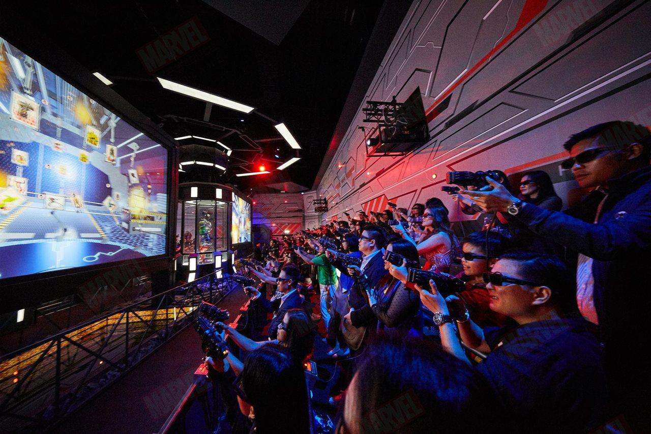 泰國漫威基地設有許多科技設施,讓玩家參與互動。圖/取自The Marvel Ex...