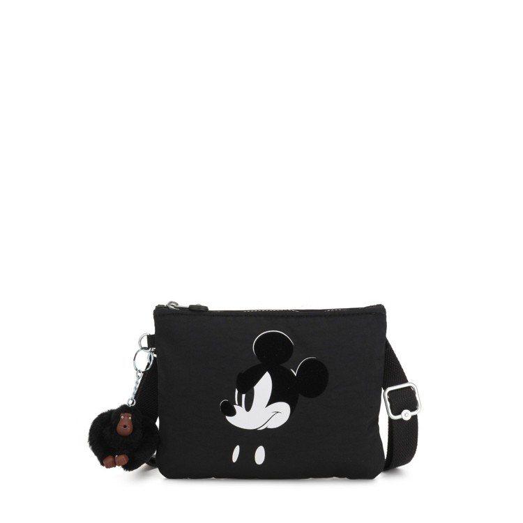 Kipling米奇90周年限定系列黑白電影個性米奇斜背配件包,1,850元。圖/...