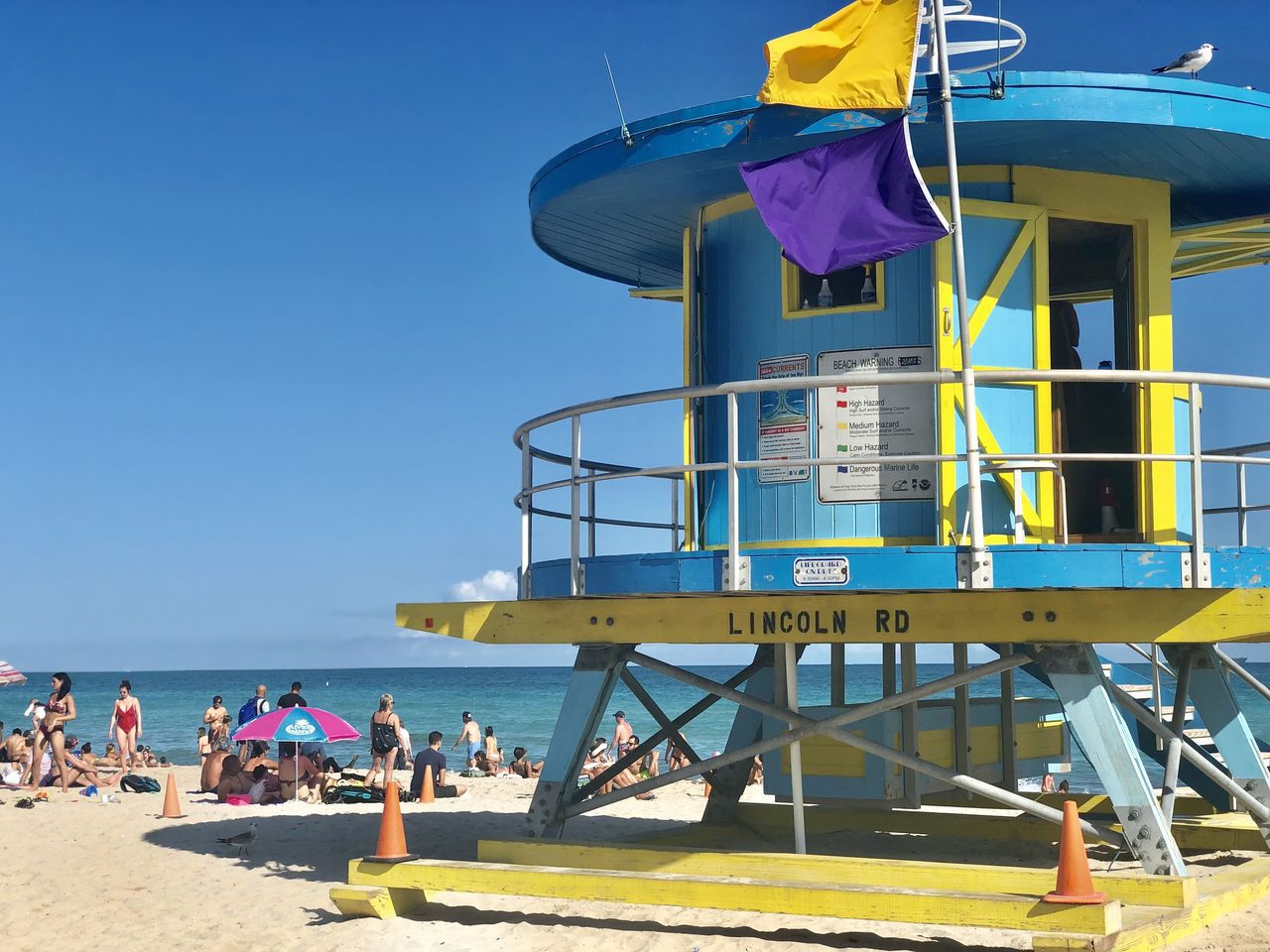 邁阿密知名風景區南灘,遊人如織,維安不易。 圖/方祖涵提供