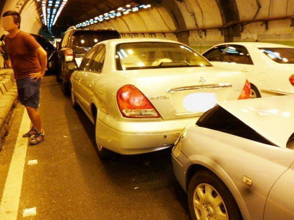 國道3號中寮隧道發生的連撞車禍。圖/聯合報系資料照片