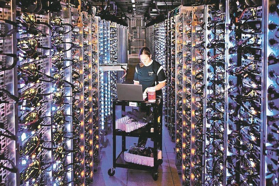 伺服器產業上半年需求趨於保守,法人認為,廣達、緯穎與英業達等本季出貨量也將下滑。...