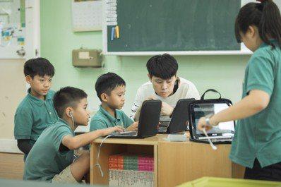 TFT教師為拯民打造了與一般學校迥異的學校風景。圖/TFT提供(攝影:傅祐承)