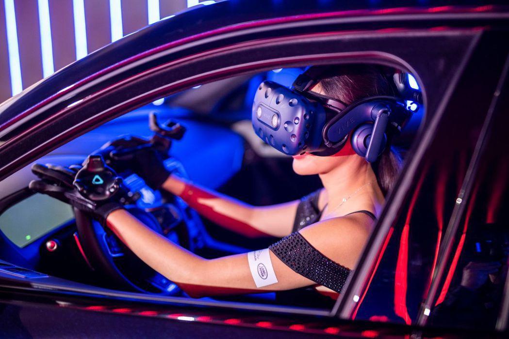 全球首創的車內無線VR體驗區,讓消費者宛如駕駛JAGUAR LAND ROVER...