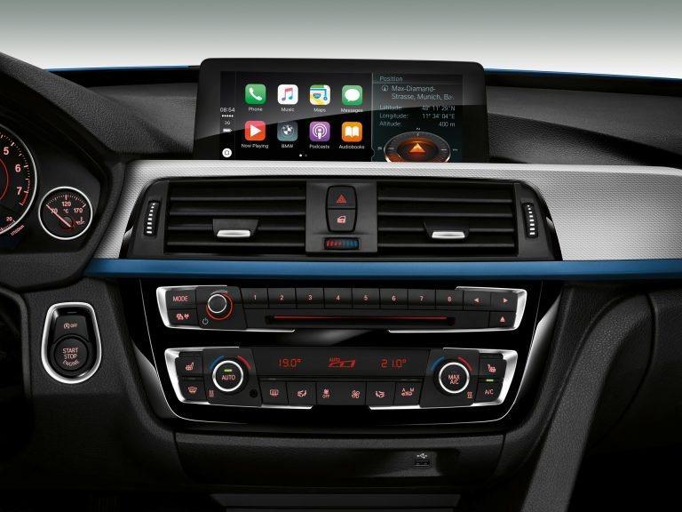 這是BMW 3 Series (F30)的中控設計,是不是和Supra很像呢? ...
