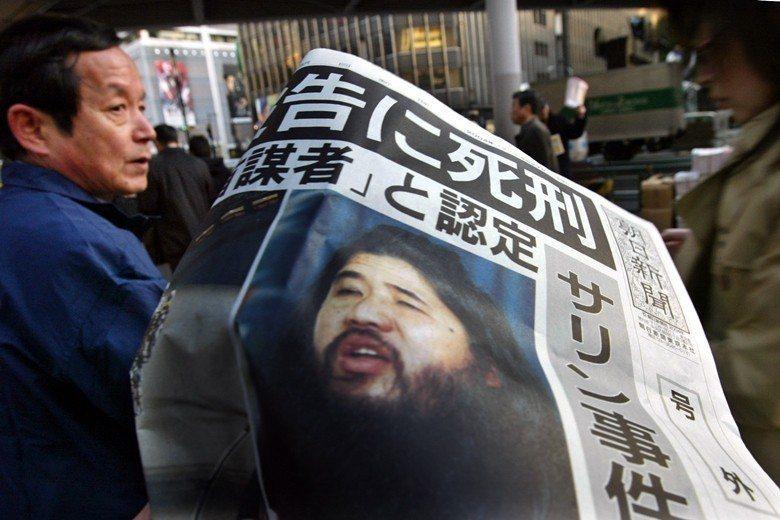 1995年奧姆真理教信徒所發動的東京地鐵沙林毒氣事件,至今仍是日本社會無法抹滅的傷痛。 圖/路透社