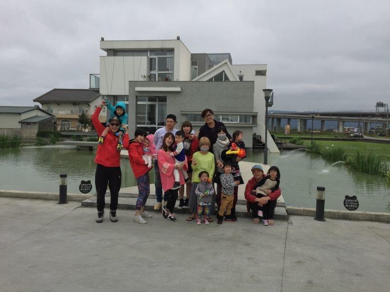 黃鐙輝過年期間常和其它家庭一起相約出遊。圖/萁萁提供