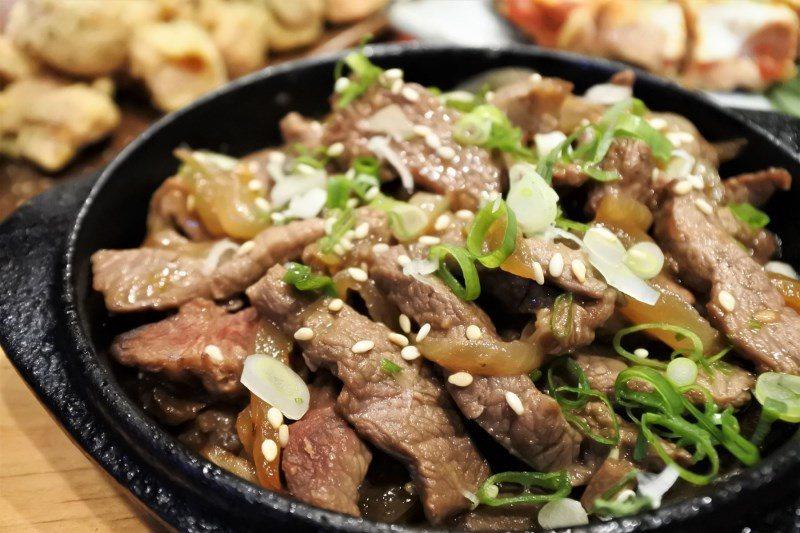 (圖/台灣旅行趣) ▲採用choice等級的濕式熟成牛肉,以牛肉本身天然酵素熟成...