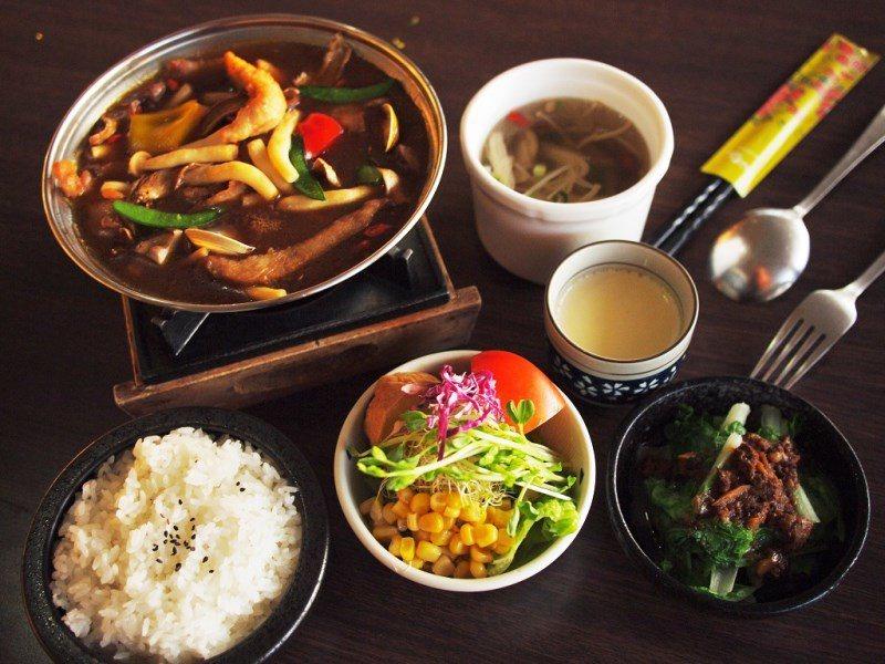 (圖/台灣旅行趣) ▲主廚套餐皆附沙拉、青菜跟茶碗蒸