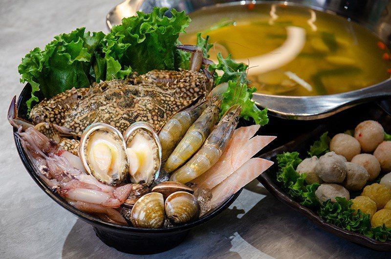 (圖/台灣旅行趣) ▲海鮮鍋搭配的【特選海鮮拼盤】