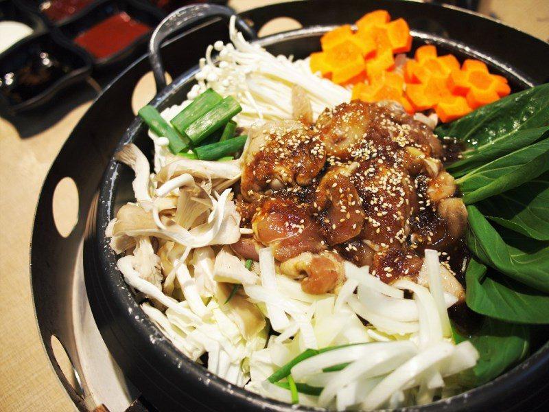 (圖/台灣旅行趣) ▲滿滿的蔬菜量,一鍋就可以滿足營養。