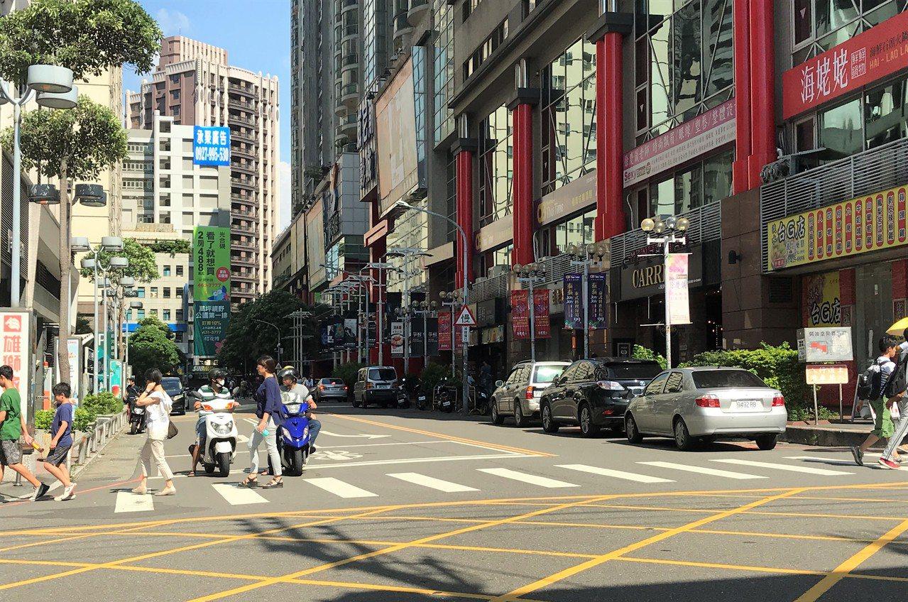 桃園海華商圈。記者游智文/攝影