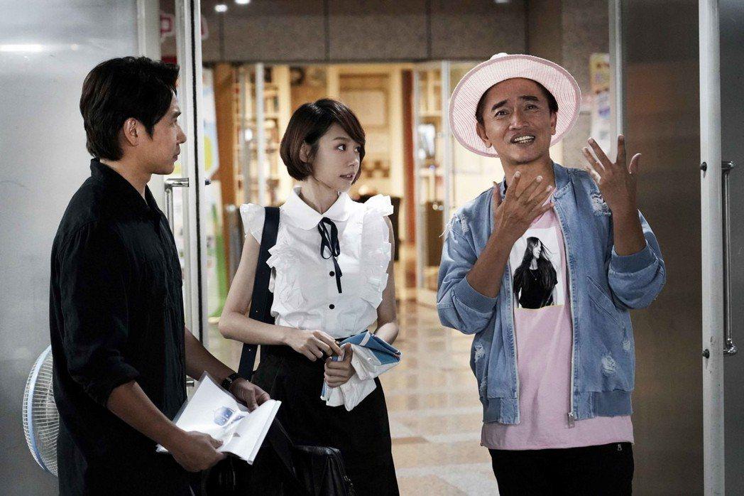 「瘋狂電視台瘋電影」華麗客串名單內有吳宗憲參與。圖/華納提供